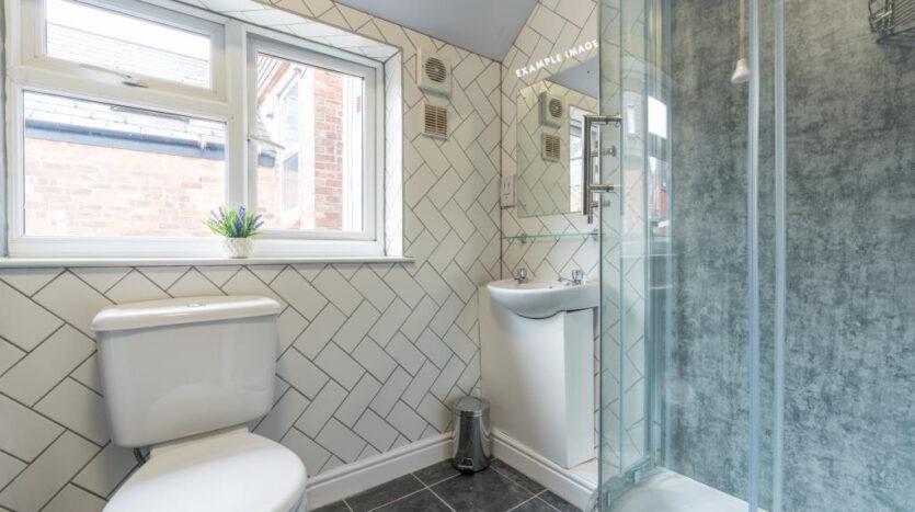 Flat 7 Shiners Yard, 123 Jesmond Road, bathroom 2