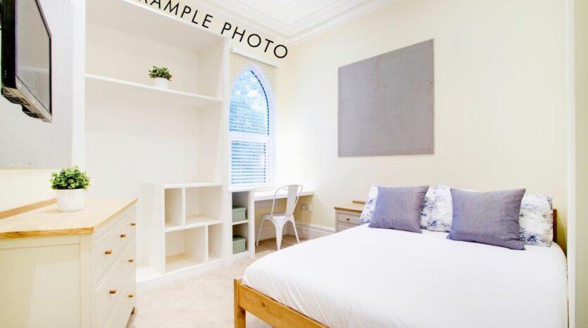 Flat 4 Shiners Yard bedroom 1