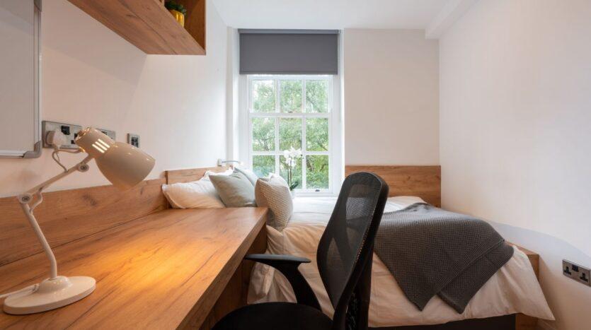 Flat 4, A City View bedroom 2