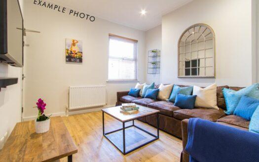 Flat 3 Shiners Yard, 123 Jesmond Road, living room