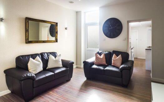 24 Seaford Street living room