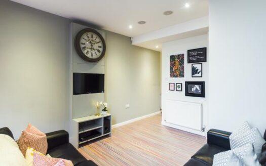 30 Watford Street Living room 2